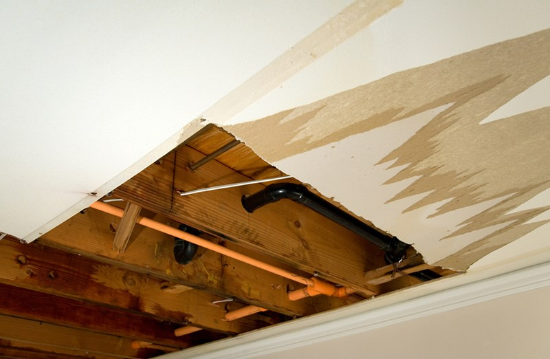 Water Damage Cleanup - The First 5  Steps to Recovery After a Flood
